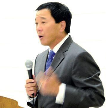 Paul Tanaka tallking.jpg
